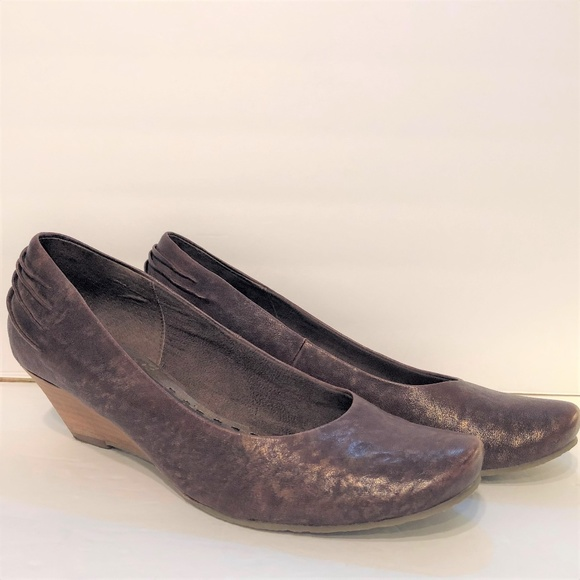 Seychelles Shoes - Seychelles Stacked Wedge Heels Brown Gold Ruched